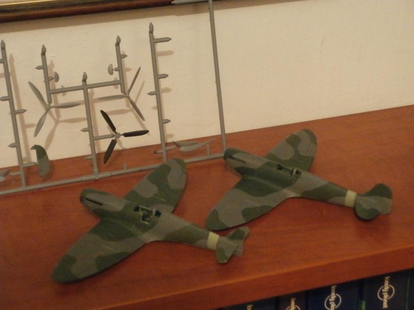 """GALERIJA: Spitfire Mk Vb, 1:32 (Hasegawa) i """"mlađa braća"""" u 1:72 Spitov10"""