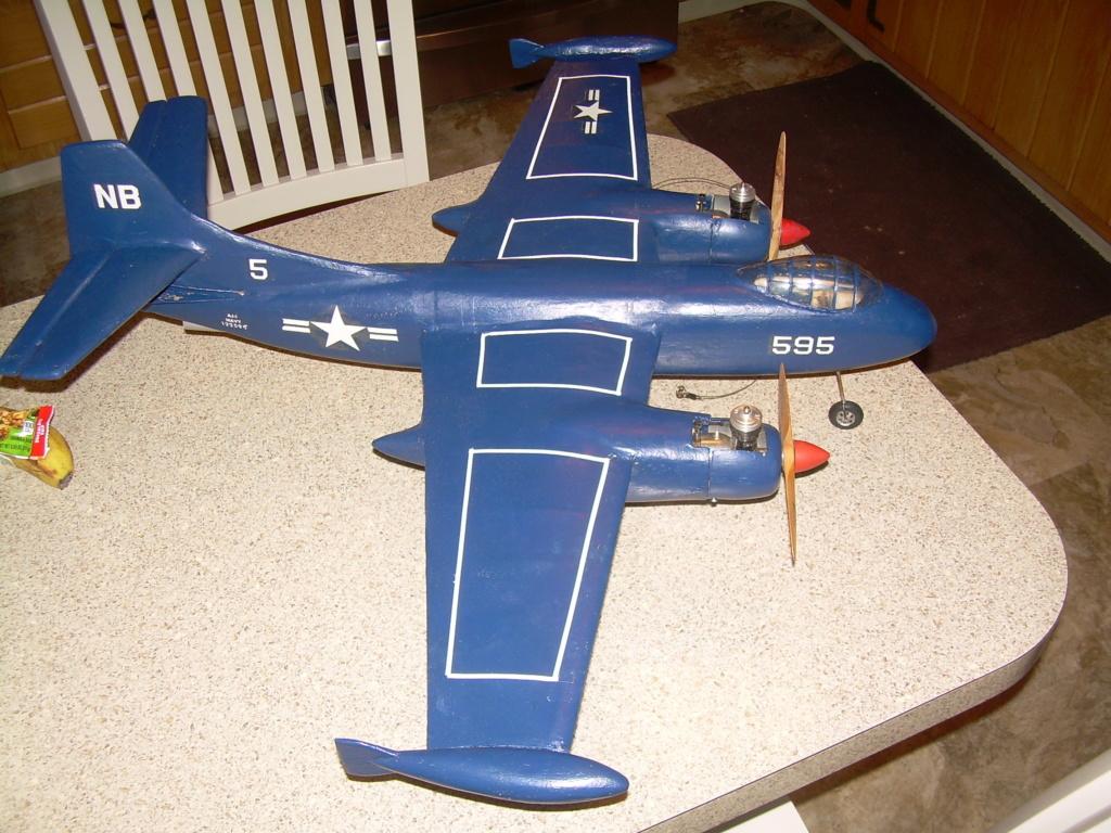 Rare plane Dscn2921