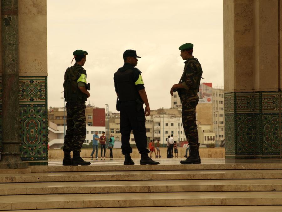Photos de nos soldats et des Bases Marocaines - Page 7 108-p610