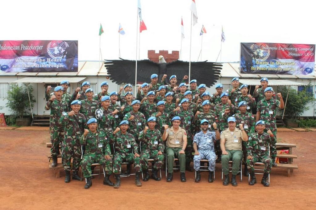 Les F.A.R et le maintien de la paix au monde - Page 27 53dfe110
