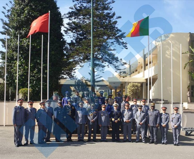 Les FAR ... école pour les armées africaines ! - Page 3 87955110
