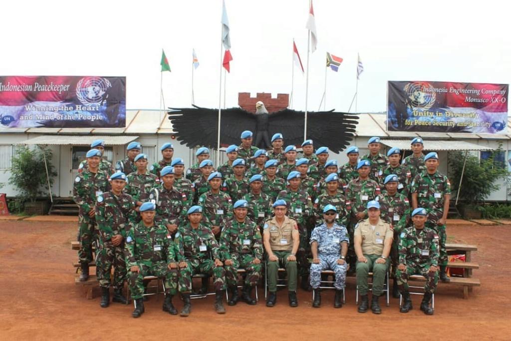 Les F.A.R et le maintien de la paix au monde - Page 27 9937bb10