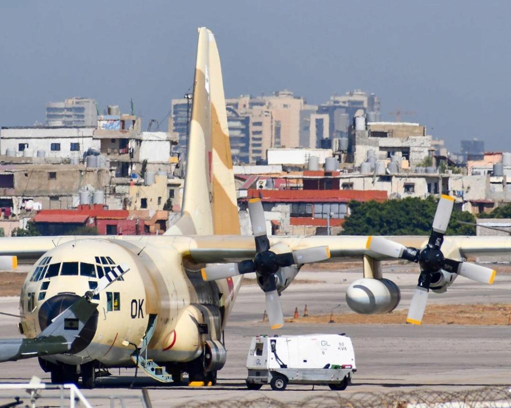 FRA: Photos d'avions de transport - Page 41 Beirut10