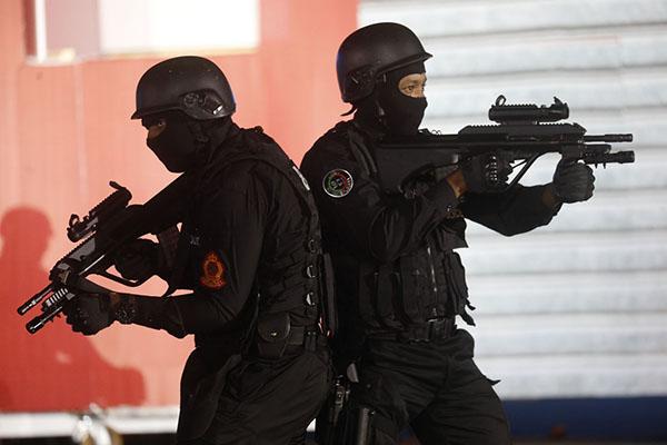 Moroccan Special Forces/Forces spéciales marocaines  :Videos et Photos : BCIJ, Gendarmerie Royale ,  - Page 16 Bri10