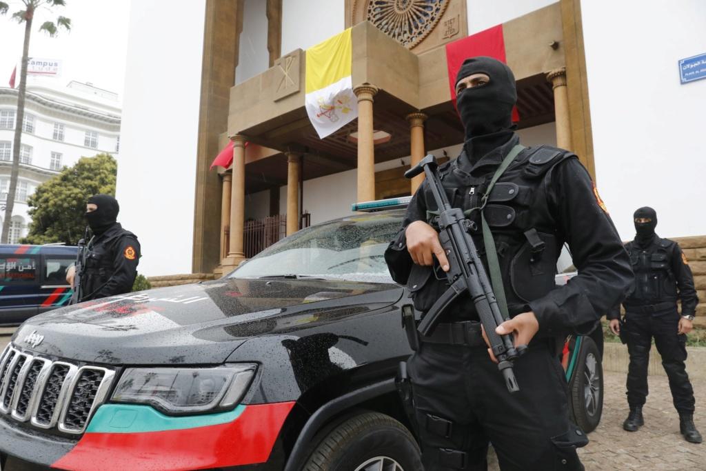 Moroccan Special Forces/Forces spéciales marocaines  :Videos et Photos : BCIJ, Gendarmerie Royale ,  - Page 15 D27gto10