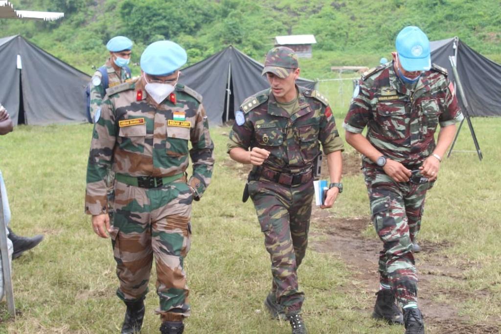 Les F.A.R et le maintien de la paix au monde - Page 33 Eh3ozw10