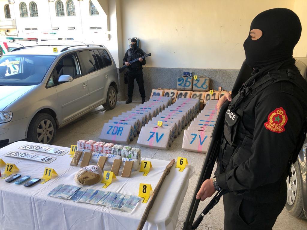 Moroccan Special Forces/Forces spéciales marocaines  :Videos et Photos : BCIJ, Gendarmerie Royale ,  - Page 19 Eoowpq11
