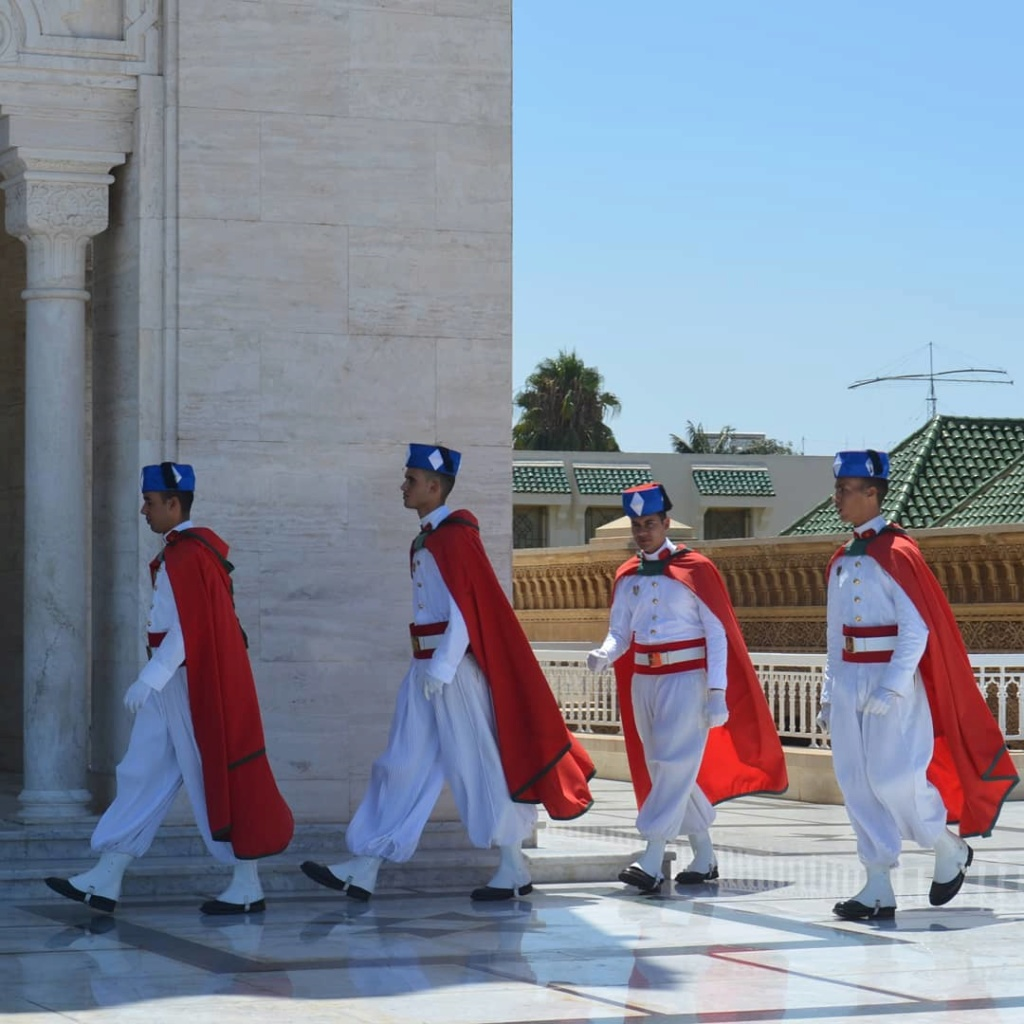 La Garde Royale Marocaine / Moroccan Royal Guard - Page 12 Geoffw10