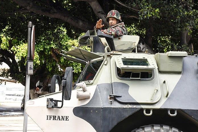 Photos de nos soldats et des Bases Marocaines - Page 7 Img_2023