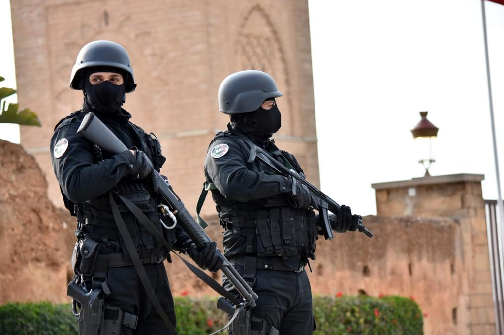 Moroccan Special Forces/Forces spéciales marocaines  :Videos et Photos : BCIJ, Gendarmerie Royale ,  - Page 17 Img_2027