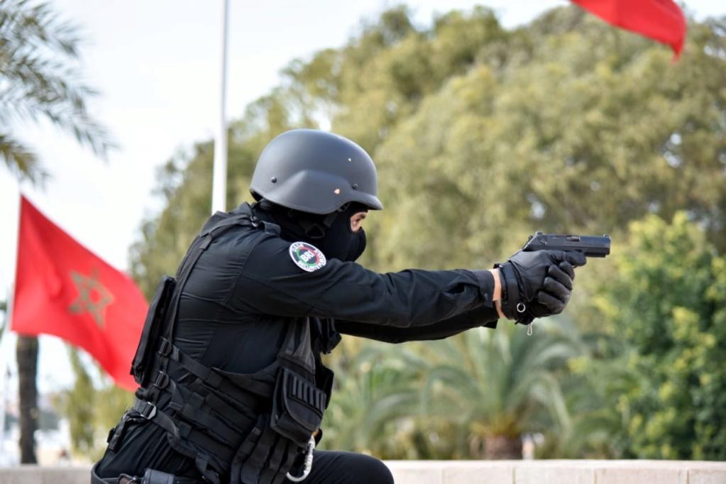 Moroccan Special Forces/Forces spéciales marocaines  :Videos et Photos : BCIJ, Gendarmerie Royale ,  - Page 17 Img_2031