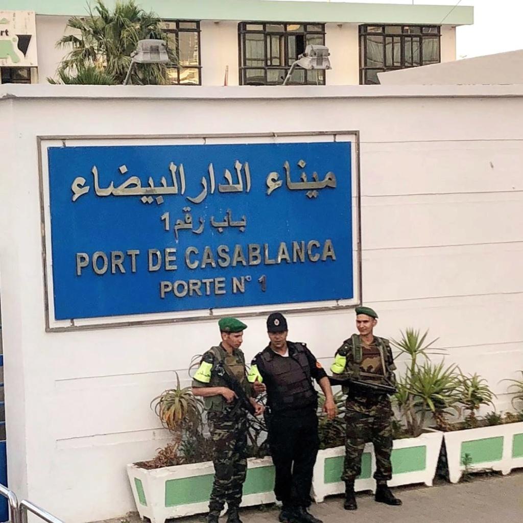 Photos de nos soldats et des Bases Marocaines - Page 7 Img_2034