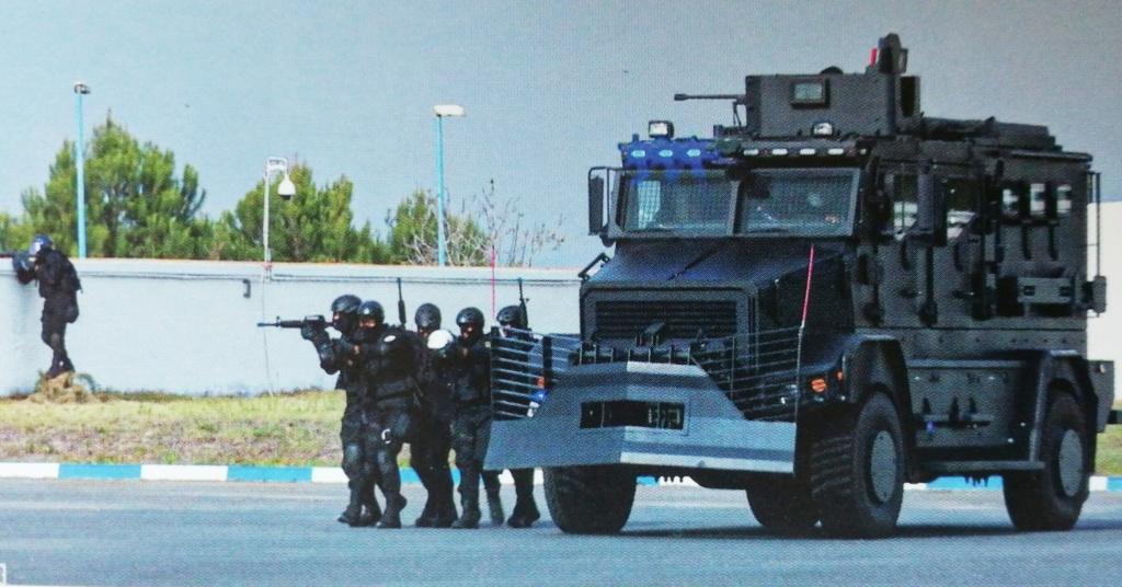 Groupement de Sécurité et d'Intervention de la Gendarmerie Royale ( GIGR - GSIGR ) - Page 6 Img_2106