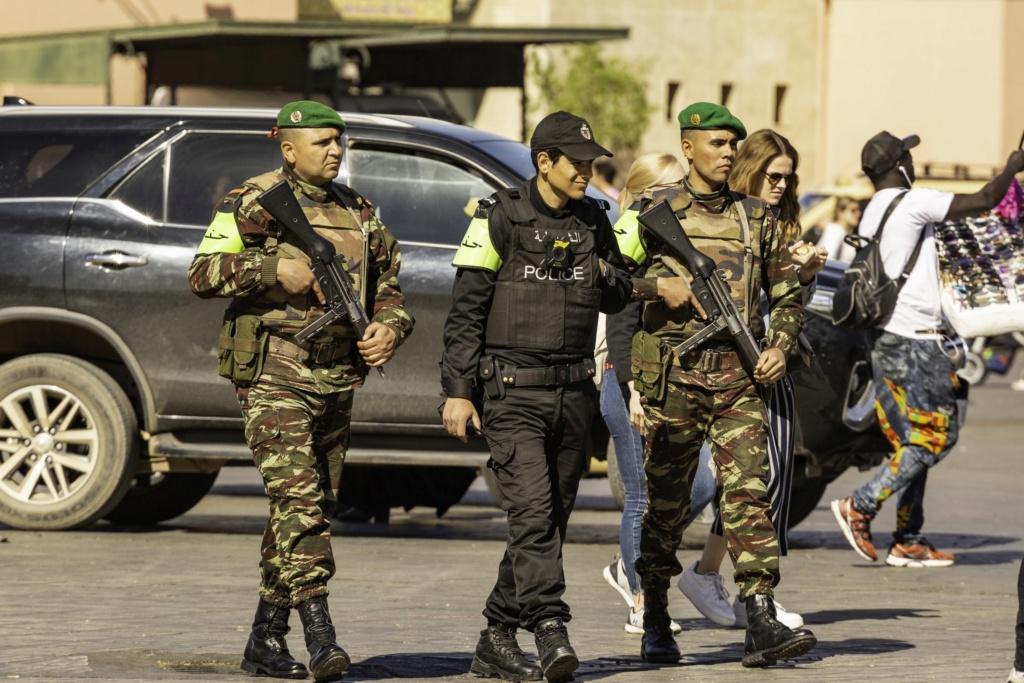 Photos de nos soldats et des Bases Marocaines - Page 7 Img_9810