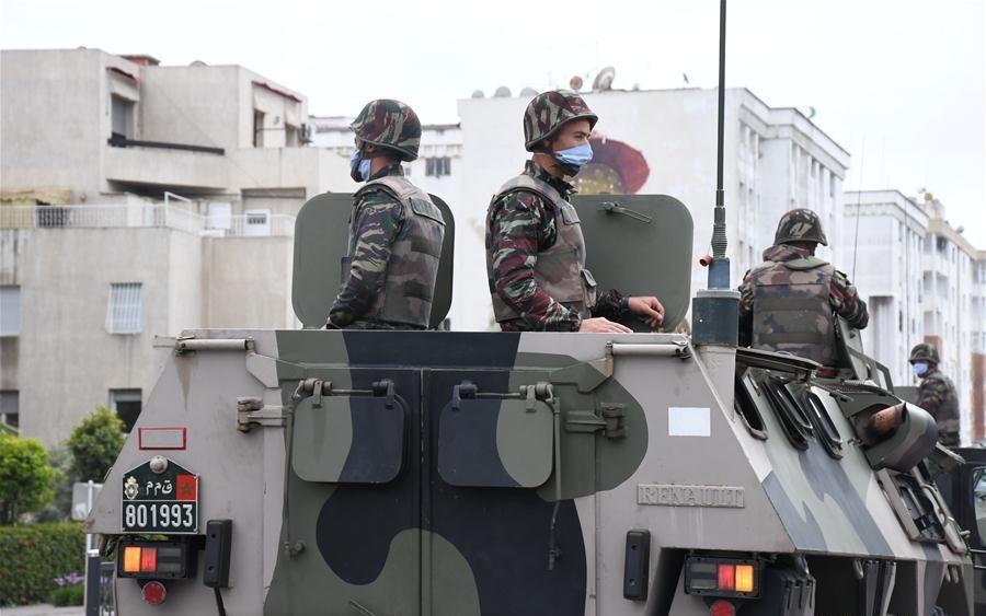 Photos de nos soldats et des Bases Marocaines - Page 7 Img_9h10