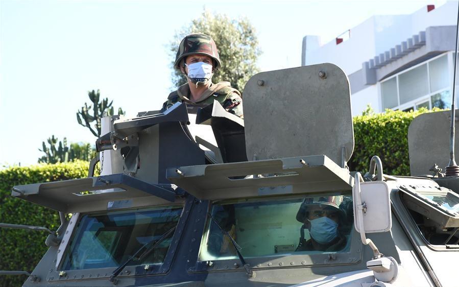 Photos de nos soldats et des Bases Marocaines - Page 7 Img_jw10