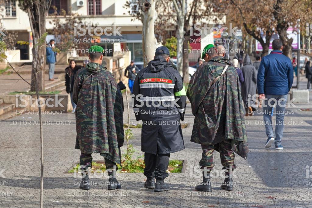 Photos de nos soldats et des Bases Marocaines - Page 7 Istock10
