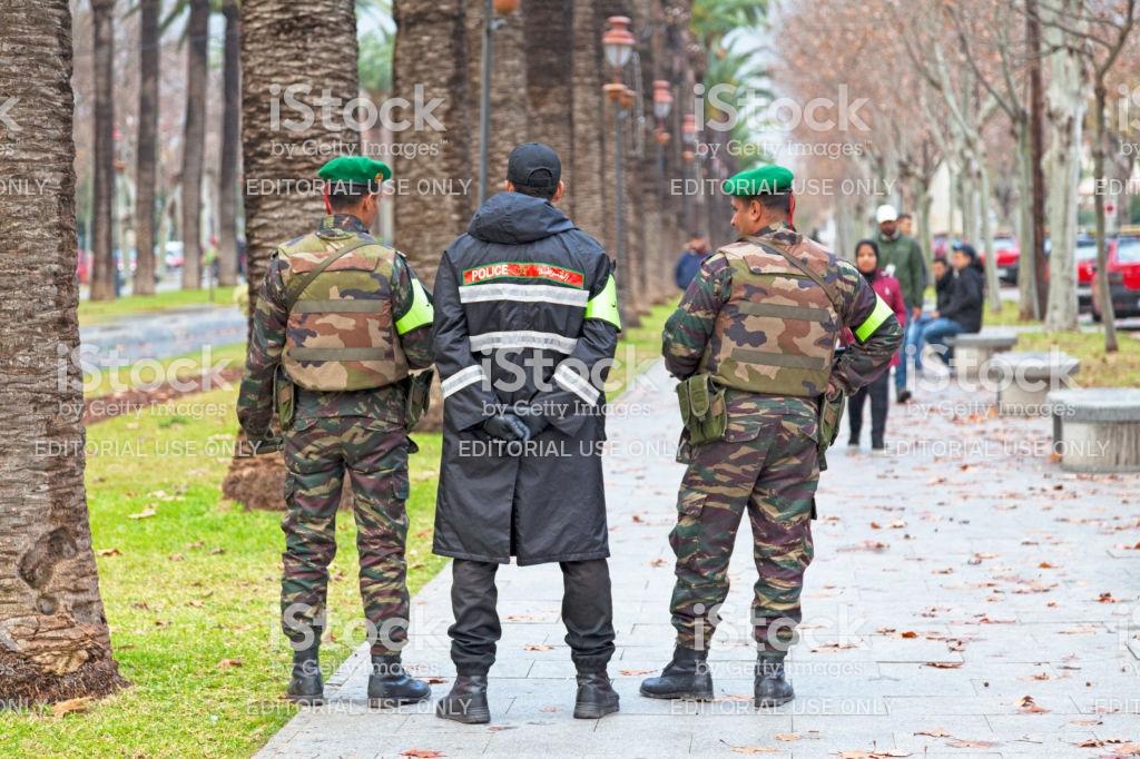 Photos de nos soldats et des Bases Marocaines - Page 7 Istock11