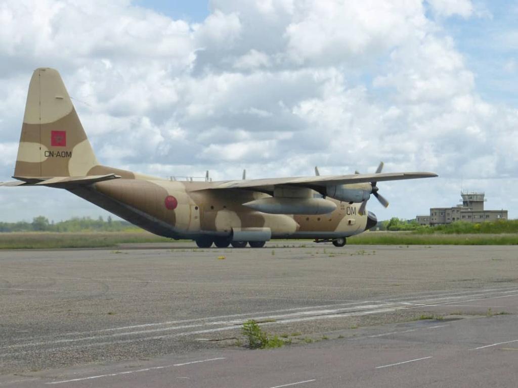 FRA: Photos d'avions de transport - Page 42 Lfsd_a13