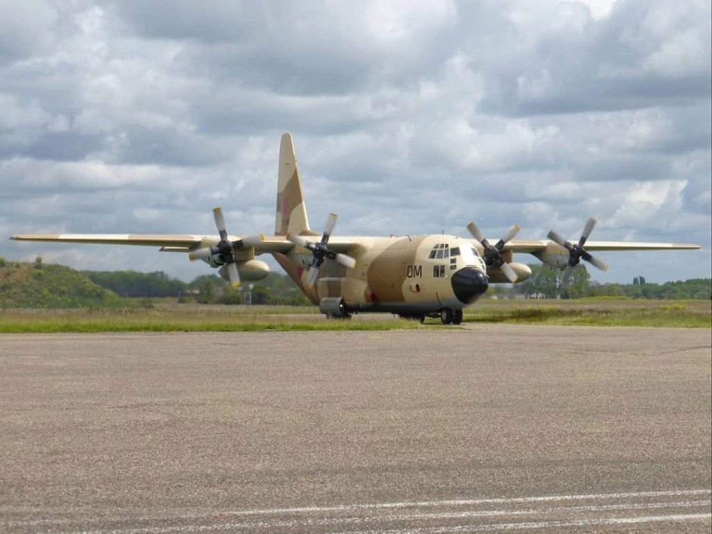 FRA: Photos d'avions de transport - Page 42 Lfsd_a15