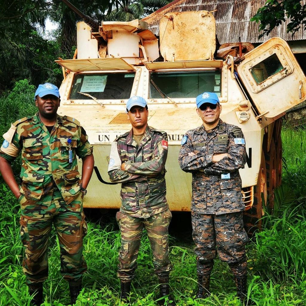 Les F.A.R et le maintien de la paix au monde - Page 33 Meme9910