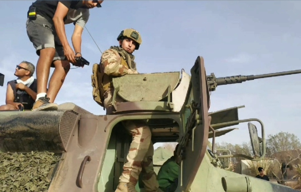 Les FAR et le Cinema / Moroccan Armed Forces in Movies - Page 11 Scree184