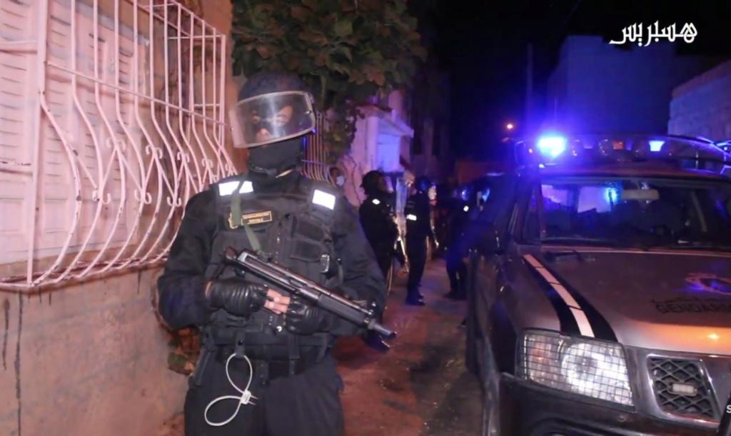 Groupement de Sécurité et d'Intervention de la Gendarmerie Royale ( GIGR - GSIGR ) - Page 6 Screen74