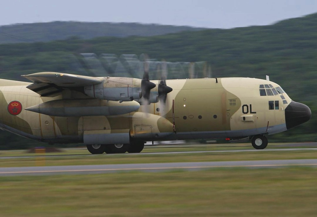 FRA: Photos d'avions de transport - Page 42 Zwapho10