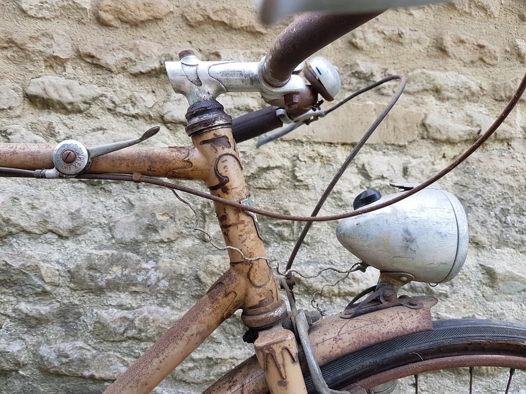 Motobecane à dater  années 1946 maximum   20180622