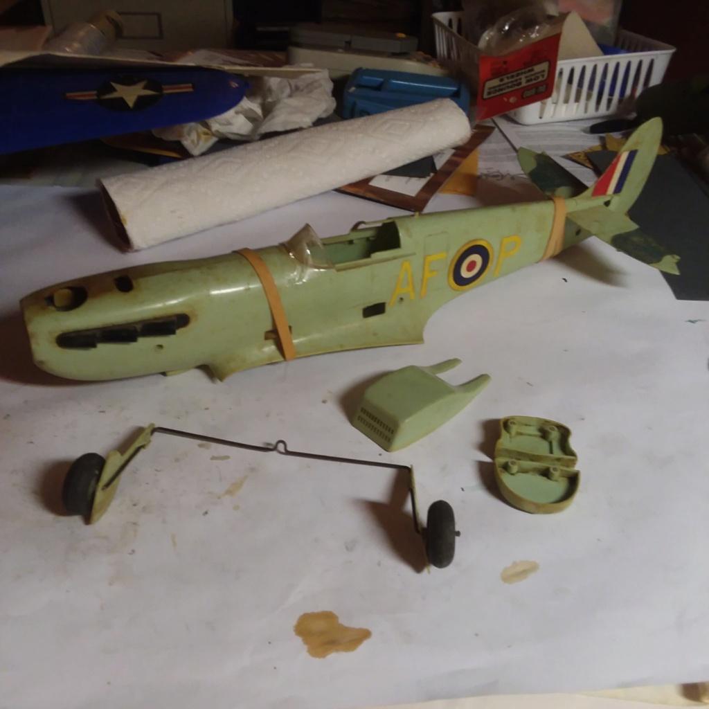 Cox Spitfire Fuselage/Parts Spitfi10