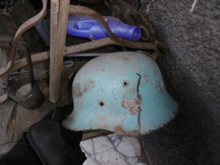 casque allemand couleur ONU P1000026