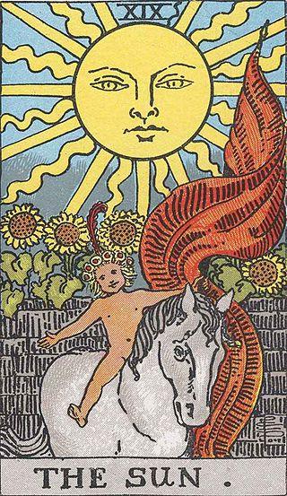 Comparación cartas Marsella y Rider-Waite: El Sol 320px-10