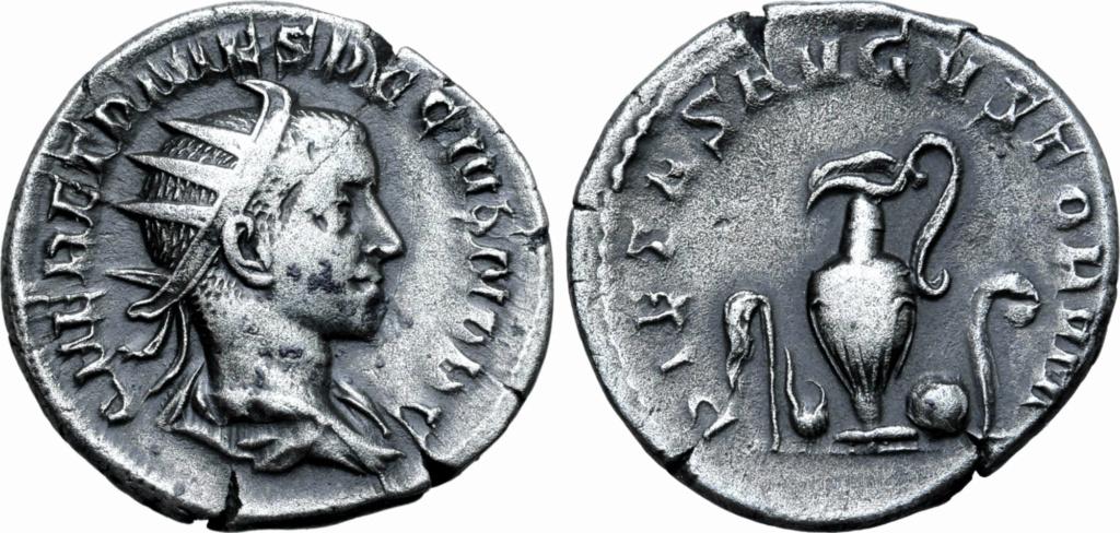 Antoniniano de Herennius Etruscus. PIETAS AVGVSTORVM. Instrumentos de sacrificio. Roma. 20876_10