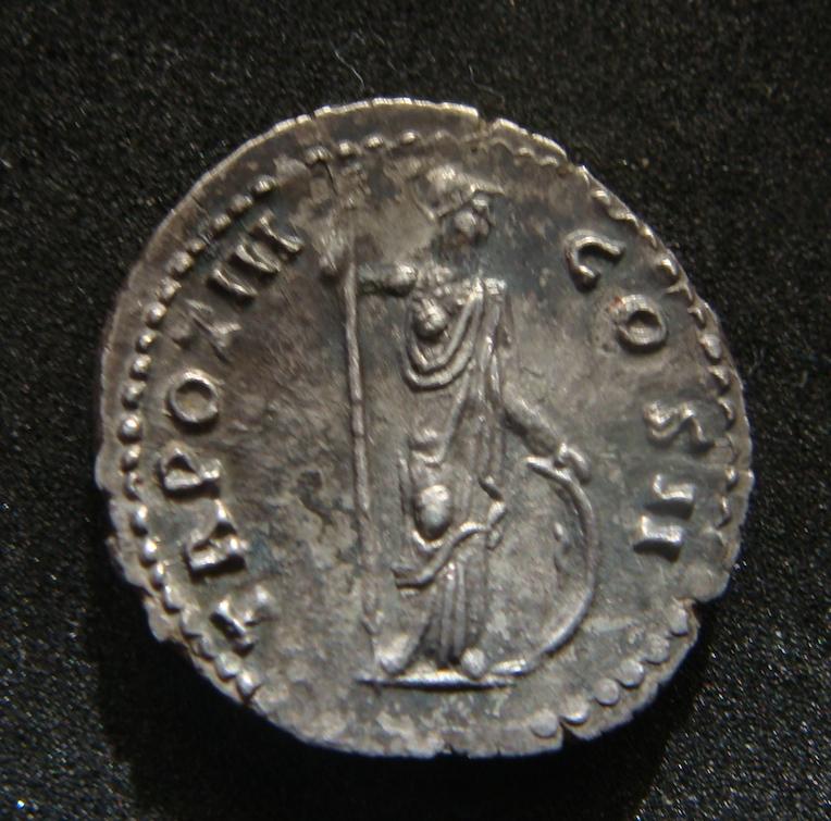 Denario de Marco Aurelio. TR POT III COS II. Minerva a dcha. Roma Dsc04514