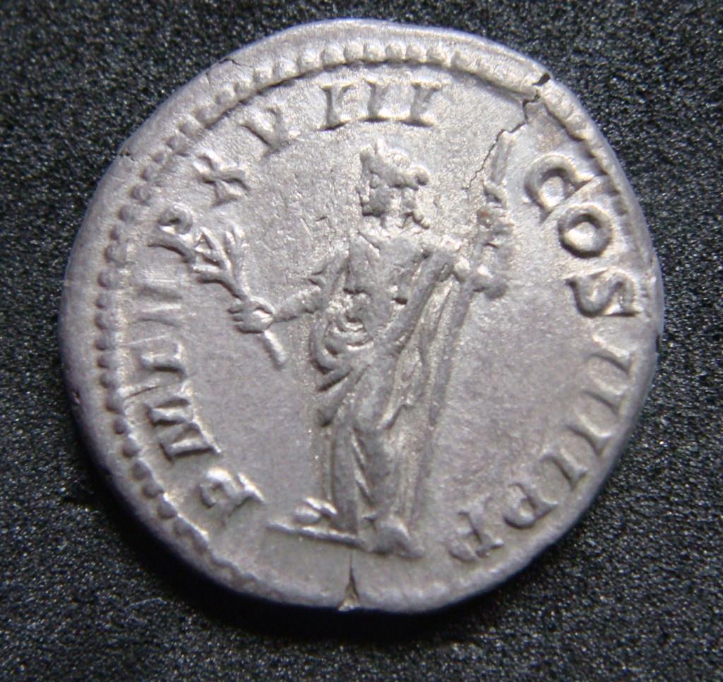 Denario de Caracalla. P M TR P XVIII COS IIII P P. Paz estante a izq. Roma. Dsc04611