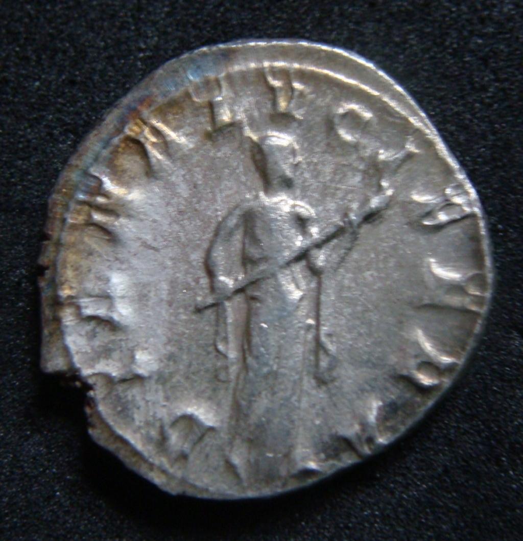 Denario de Gordiano III. DIANA LVCIFERA. Diana estante a dcha. Roma. Dsc04615