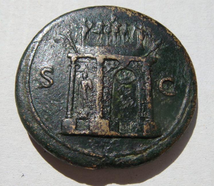 Sestercio de Nerón. S C. Arco de Triunfo rematado por cuadriga. Lugdunum. Dsc04746