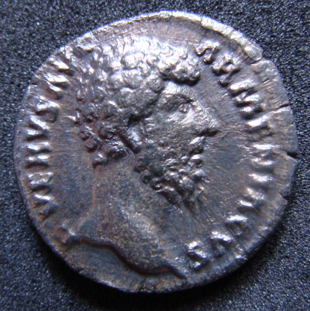 Denario Lucio Vero. TR P IIII IMP II COS II. Marte estante a dcha. Roma. Dsc04821