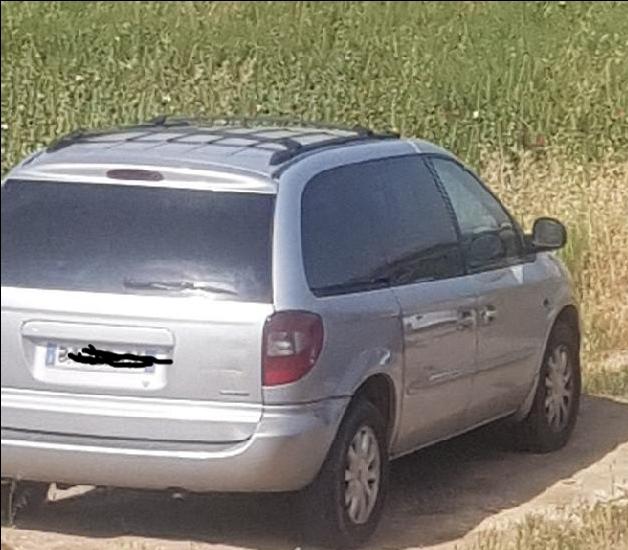 Vend pièces moteur ou carrosserie Chrysler voyager de 2001 crd lx 20180610
