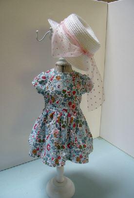 un mannequin de poupée... Id0410