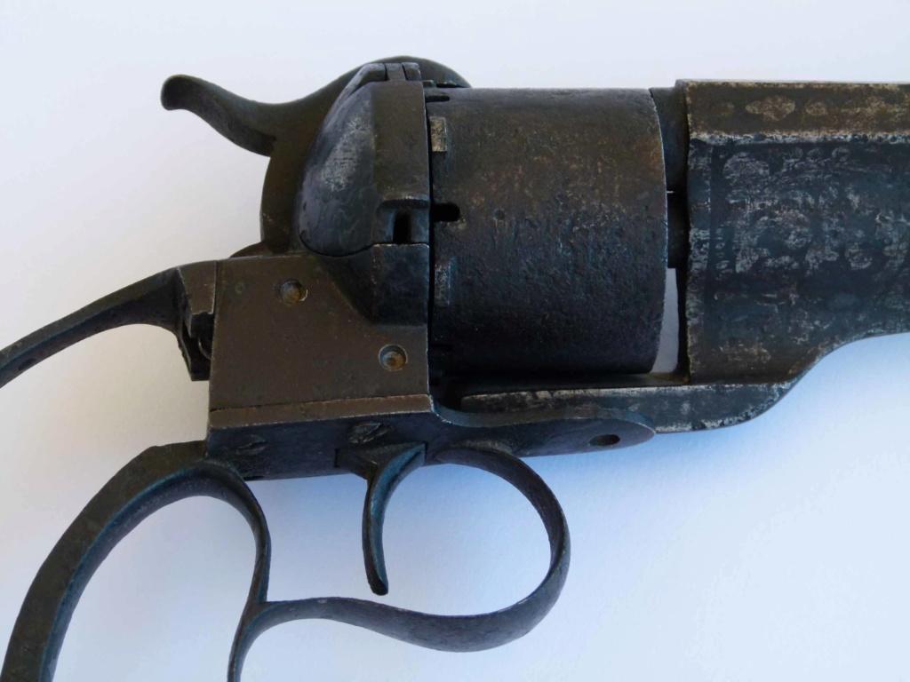 Couteau Revolver Dumonthier P1160411