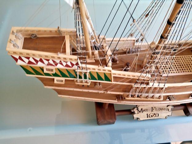 Ricostruisco la Mayflower 410