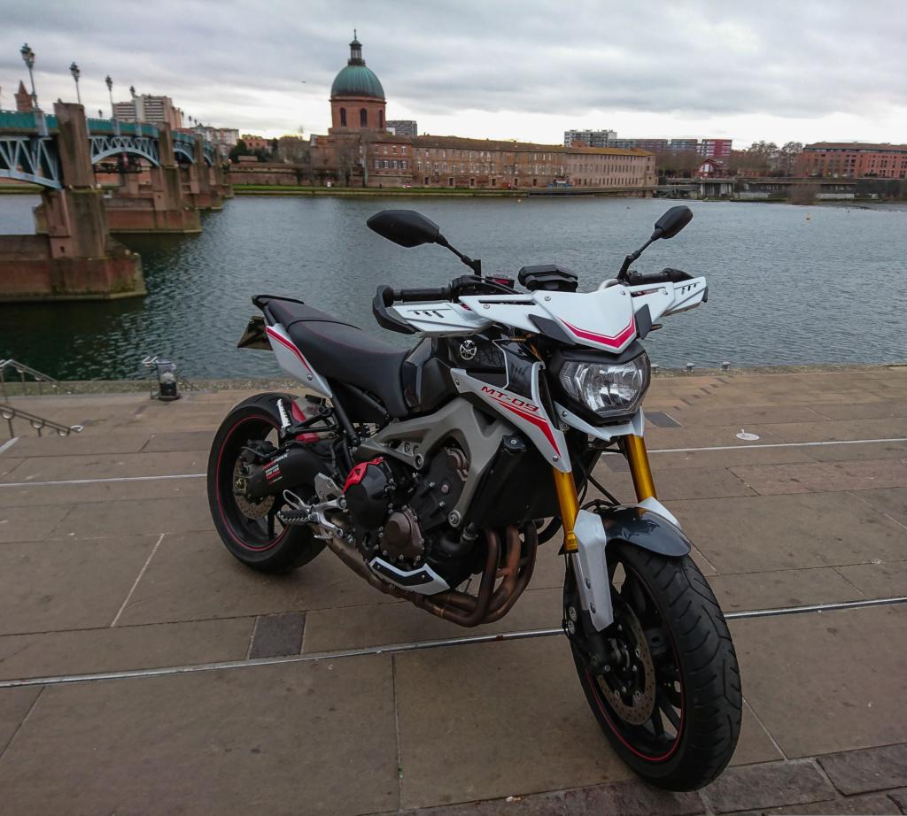 Photos de toutes les Yamaha MT-09 du forum ! :) - Page 25 Lrm_ex12