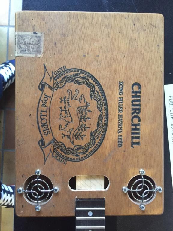 Première cigarbox Churchill  0399bb10