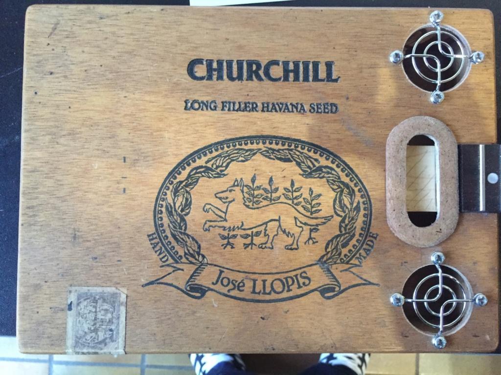 Première cigarbox Churchill  0fcdfe10