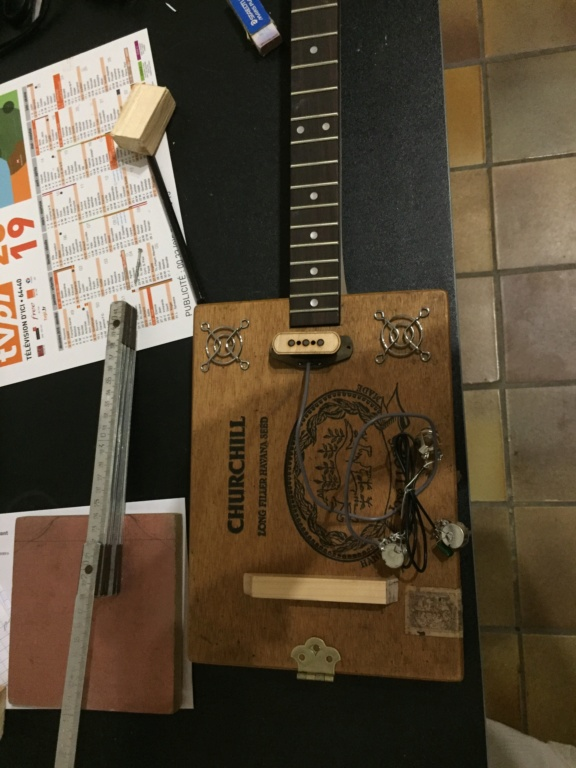 Première cigarbox Churchill  Cf86f110