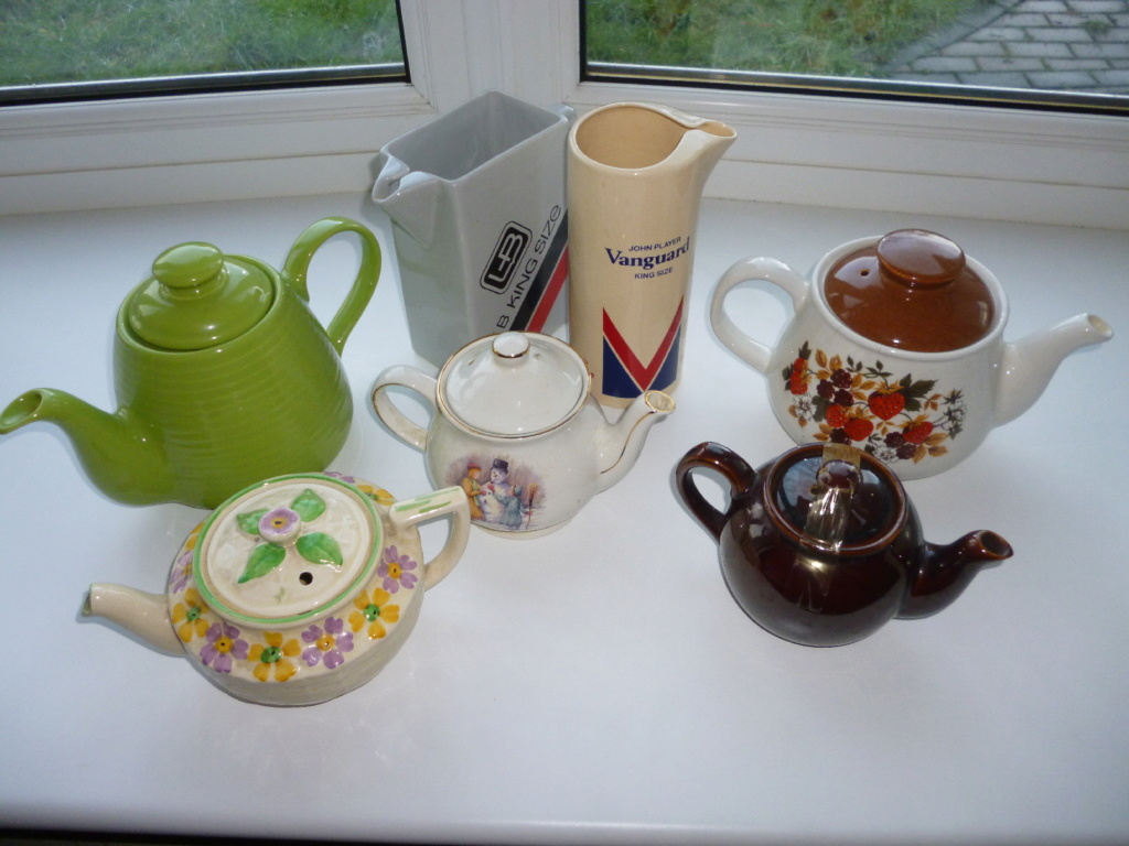 Identify English teapot  P1040711