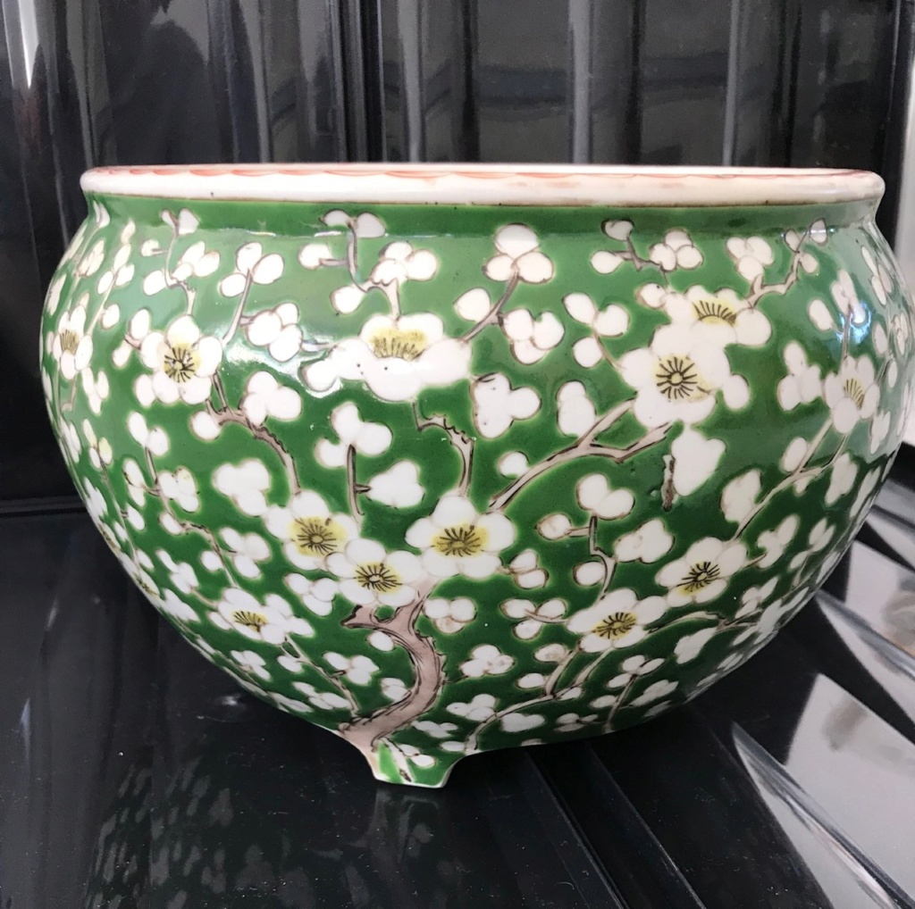 Chinese Green and white Cherry Blossom 3 footed pot Pot410