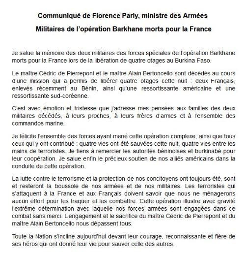 L'Elysée annonce la libération de deux Français enlevés au Benin et la mort de 2 soldats français Bf10
