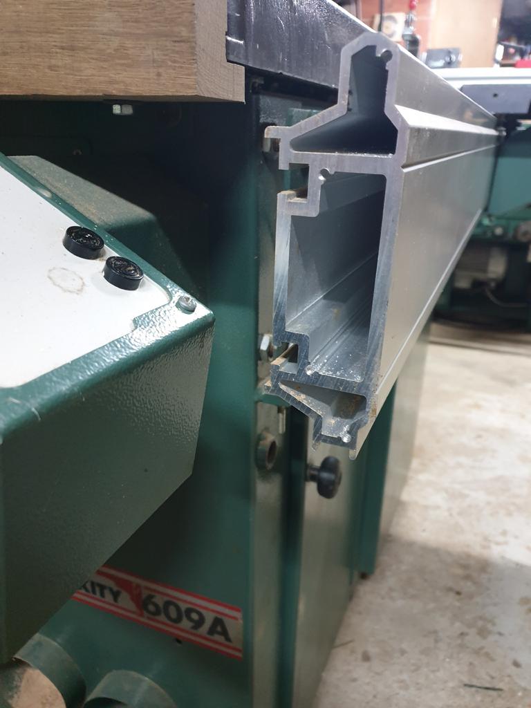 amelioration tablette sur toupie sci kity 609A Coupe_10